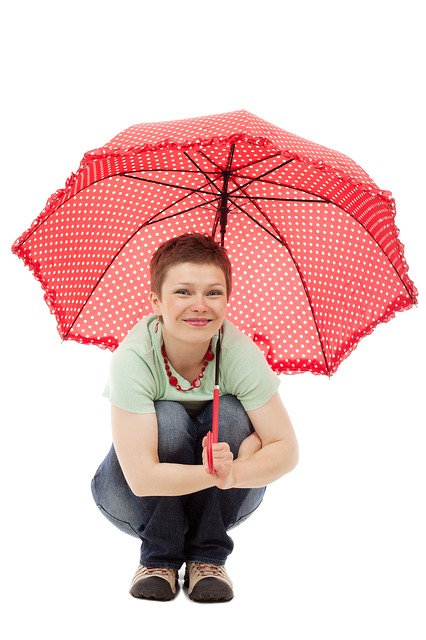 peeing under umbrella