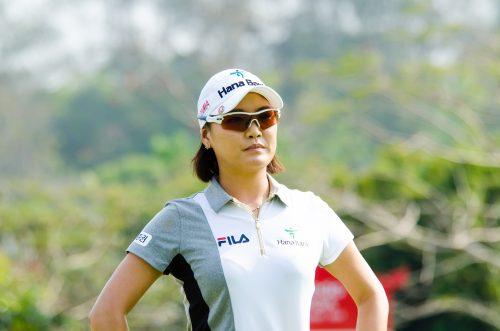 female golf caddy or female golfer? This is a photo of female golf player So Yeon Ryu