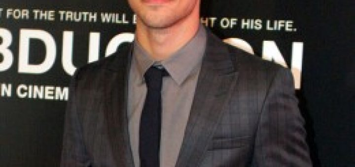 Taylor Lautner at the Abduction premier