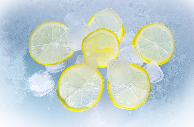 lemons in water