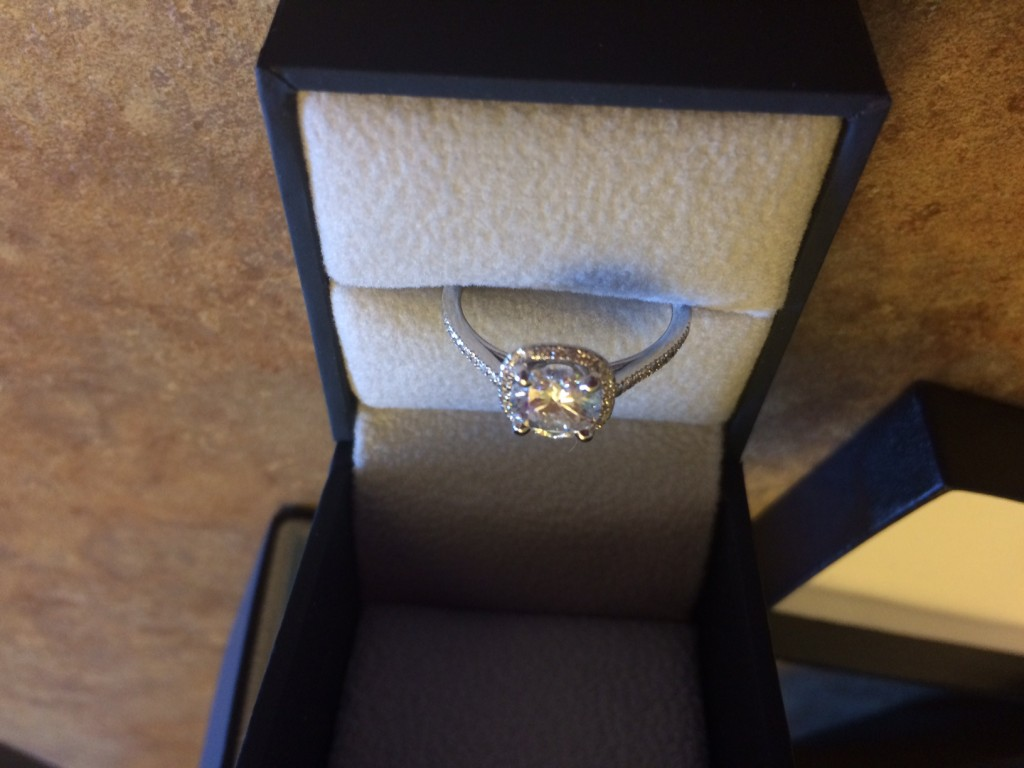Save Money on Cheap Engagement Rings