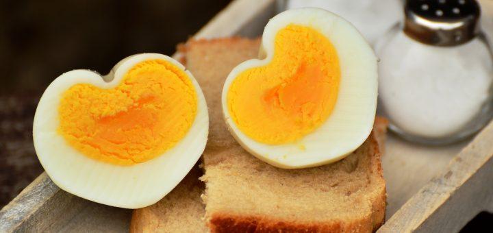how long to hard boil an egg