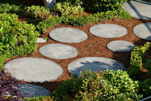 Make a Romantic Garden Path