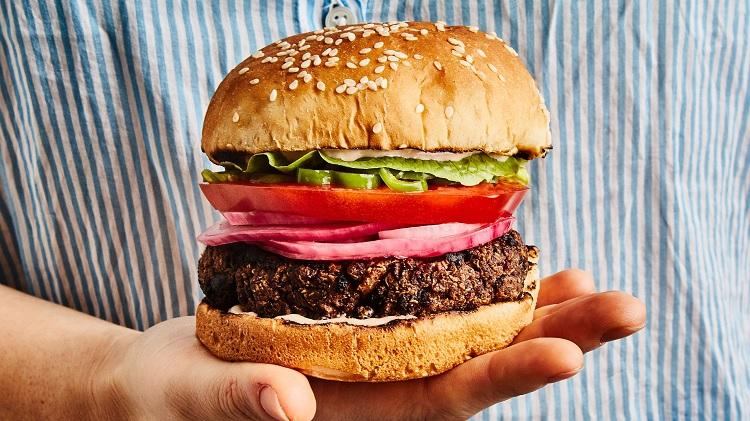 easiest ever grilled veggie burgers